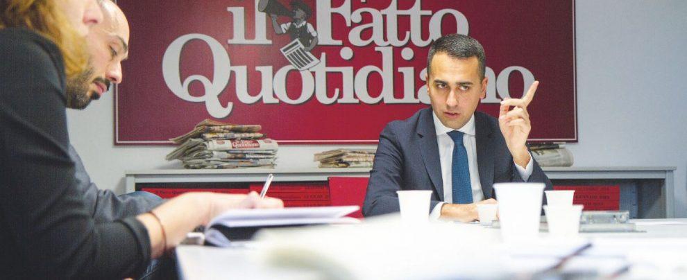 """Luigi Di Maio: """"Il governo non cade: Salvini, se ci molla per Berlusconi si suicida"""""""
