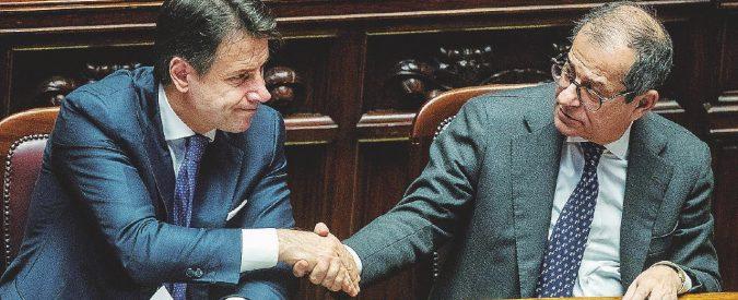 L'accordo Conte-Juncker per avere l'aiuto di Draghi