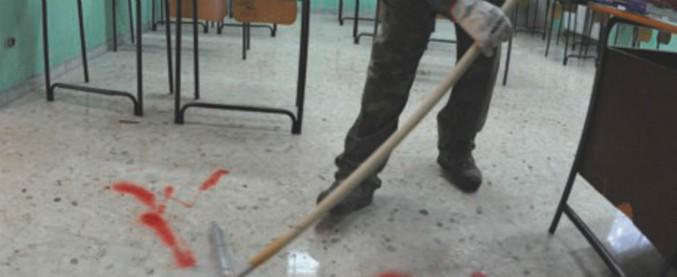"""Pulizia nelle scuole, le coop contro il governo sull'assunzione di personale interno: """"Non saranno a costo zero"""""""