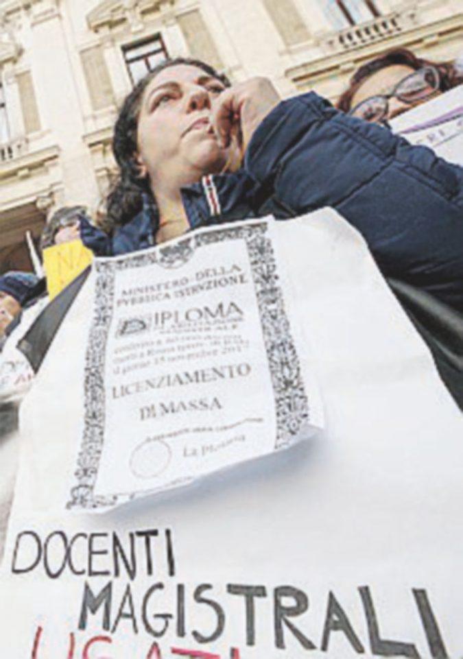 Maestre senza laurea, ancora caos: sentenza a febbraio