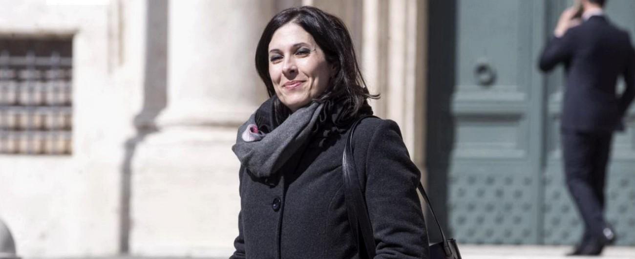 """Mara Lapia, Polizia: """"Nel filmato si vede la spinta del 35enne"""". Smentita la teste. Altri dicono: """"Ma non c'è stato pestaggio"""""""