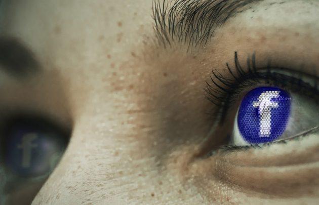 Facebook, altri problemi con la privacy: un bug espone le fo