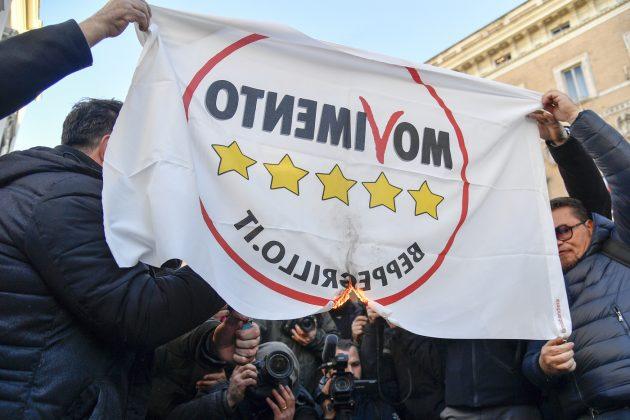 Ncc, protesta a Roma contro l'obbligo di tornare in rimessa