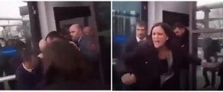 """Ungheria, deputati dell'opposizione cacciati dalla tv di Stato, inchiesta in Parlamento: """"Violenza a pubblici ufficiali"""""""