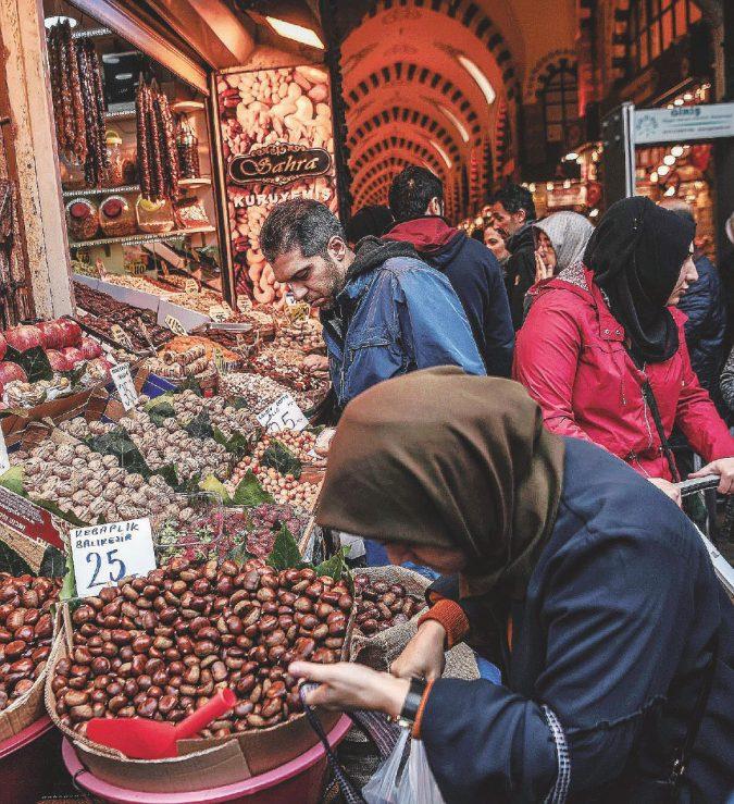 La guerra delle cipolle turche che fa piangere pure Erdogan