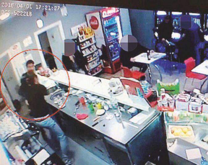"""Casamonica-Di Silvio al Roxy bar, due sentenze in un giorno confermano il """"metodo mafioso"""""""