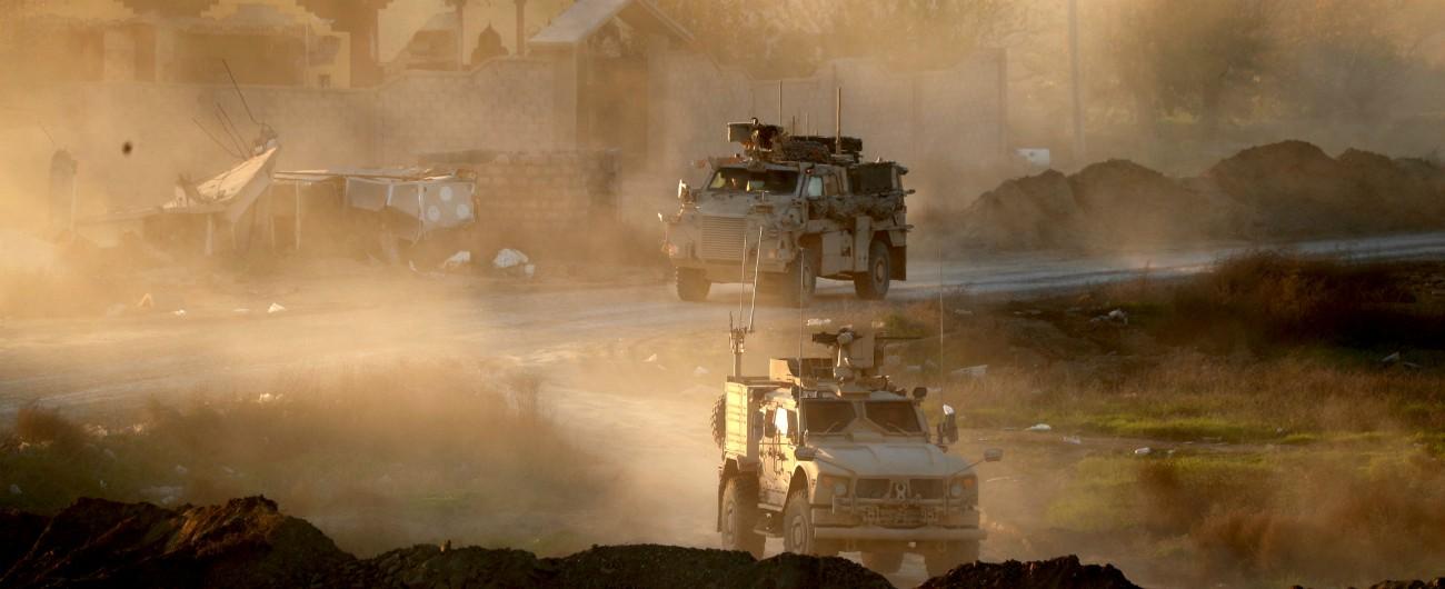"""Siria, Usa: """"Iniziato il ritiro delle truppe"""". Curdi: """"E' una coltellata nella schiena"""" Dubbi Pentagono: favore a Russia e Iran"""