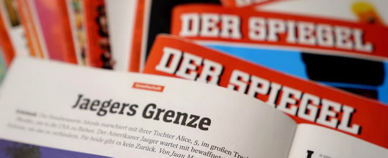 """Claas Relotius, non solo gli articoli falsi. Der Spiegel denuncia ex cronista: """"Si appropriò di donazioni per bimbi siriani"""""""