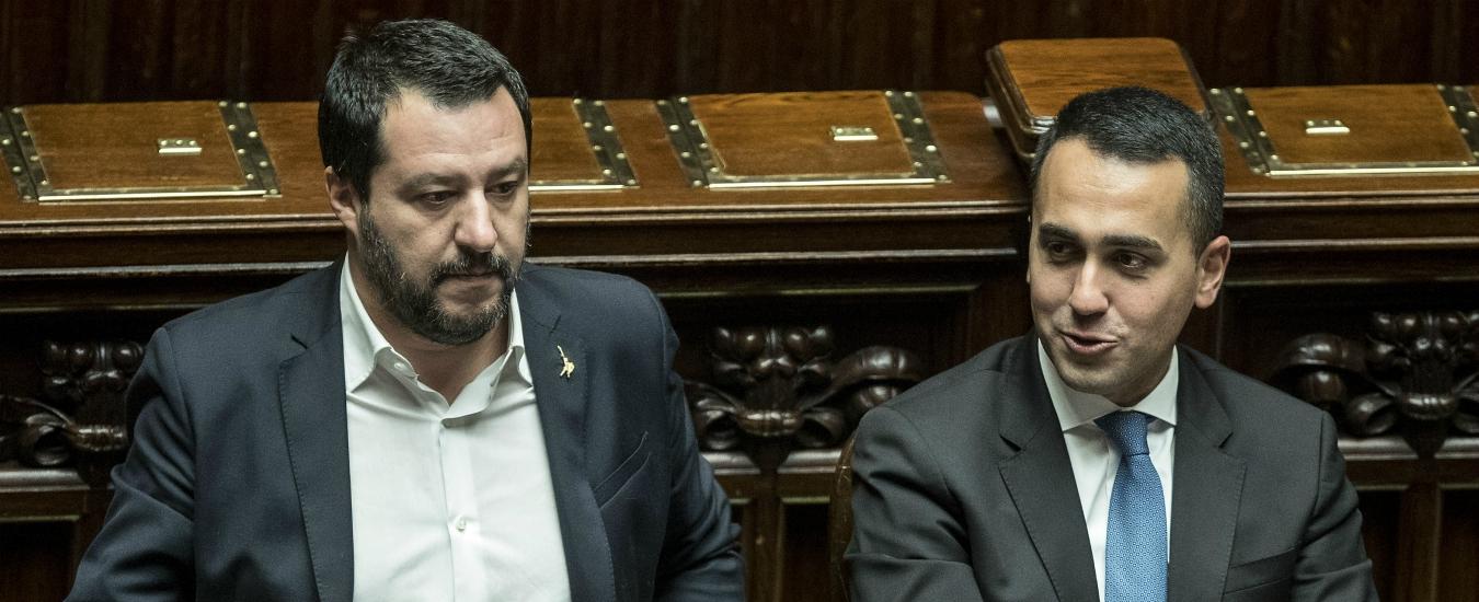 Manovra, Salvini: 'Do voto 7'. Di Maio mostra quiz vero-falso: 'Troppe balle'. Opposizioni: 'Parlamento esautorato'