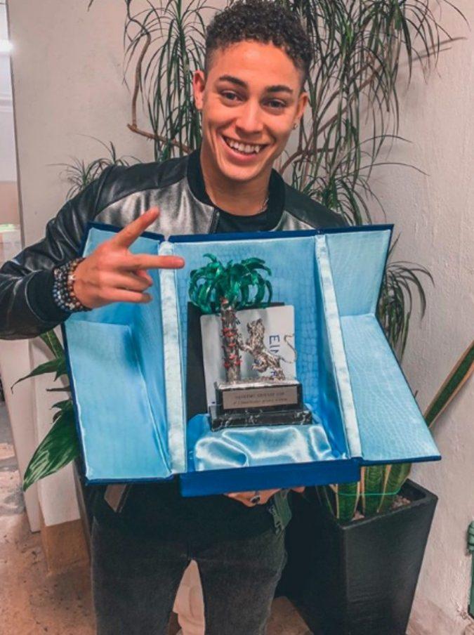 Sanremo giovani 2018, vince Einar, ex di Amici. Il suo brano era finito nel mirino delle polemiche ma è rimasto in gara: ecco perché