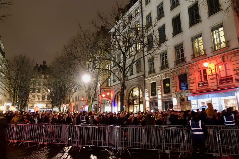 Vieux-Lyon, transenne per gestire la folla
