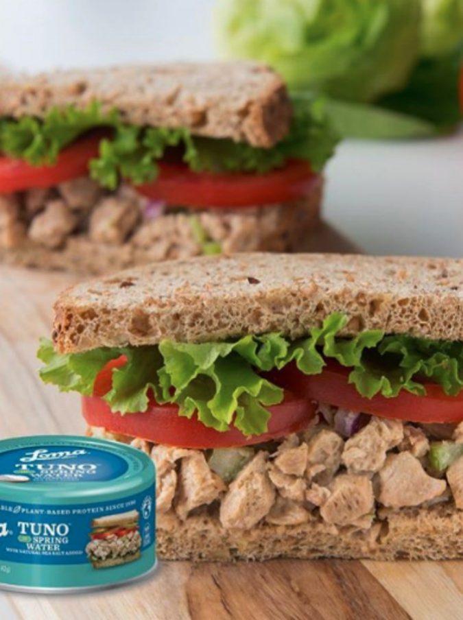 """Tuno, arriva il """"tonno senza tonno"""": dopo la pancetta di alghe, ecco la novità vegana che spopola negli Usa"""