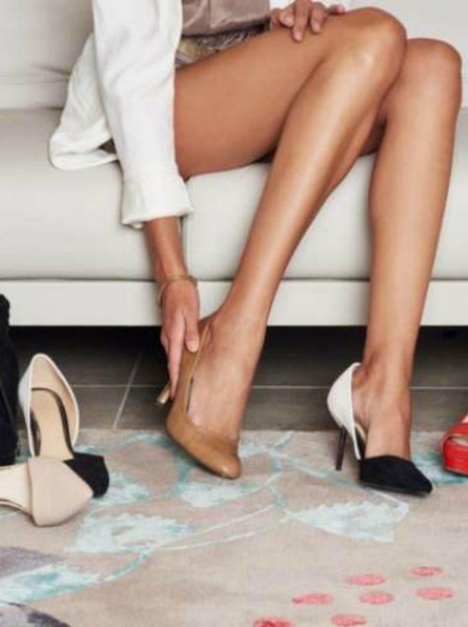 """Dieci euro per provare scarpe e vestiti  l iniziativa di un negoziante  contro lo shopping online. """"Le vendite però sono aumentate"""" aa30c8b3d24"""