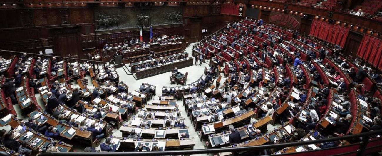 """M5s: """"Democrazia sotto attacco di lobby. Pd e Fi complici"""". Opposizioni insorgono e il post scompare dal blog delle Stelle"""