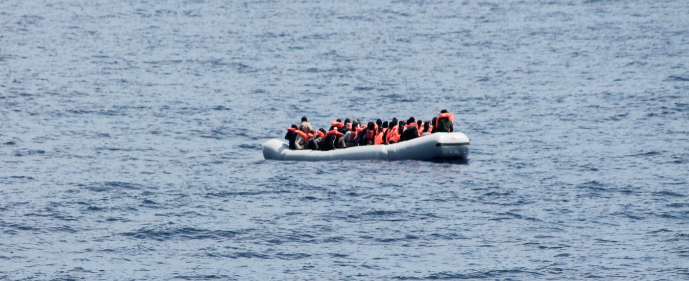 "Migranti, l'allarme di Sea Watch e Sea Eye: ""Serve un porto sicuro"". A bordo rispettivamente 32 e 17 persone"