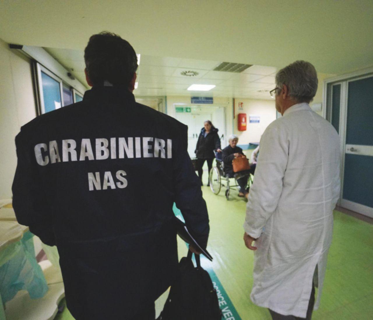 In Edicola sul Fatto Quotidiano del 31 dicembre: Muore la donna abbandonata nell'ospedale tra le formiche