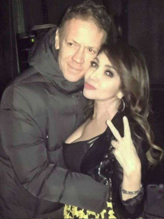 """Rocco Siffredi e Cristina D'Avena festeggiano insieme Capodanno: dopo la cena sexy, lei gli dedica """"L'Uomo Tigre"""""""