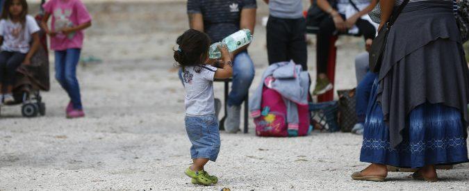 'Gli zingari rubano', a forza di ripeterlo pestare o sparare contro i rom è diventato normale