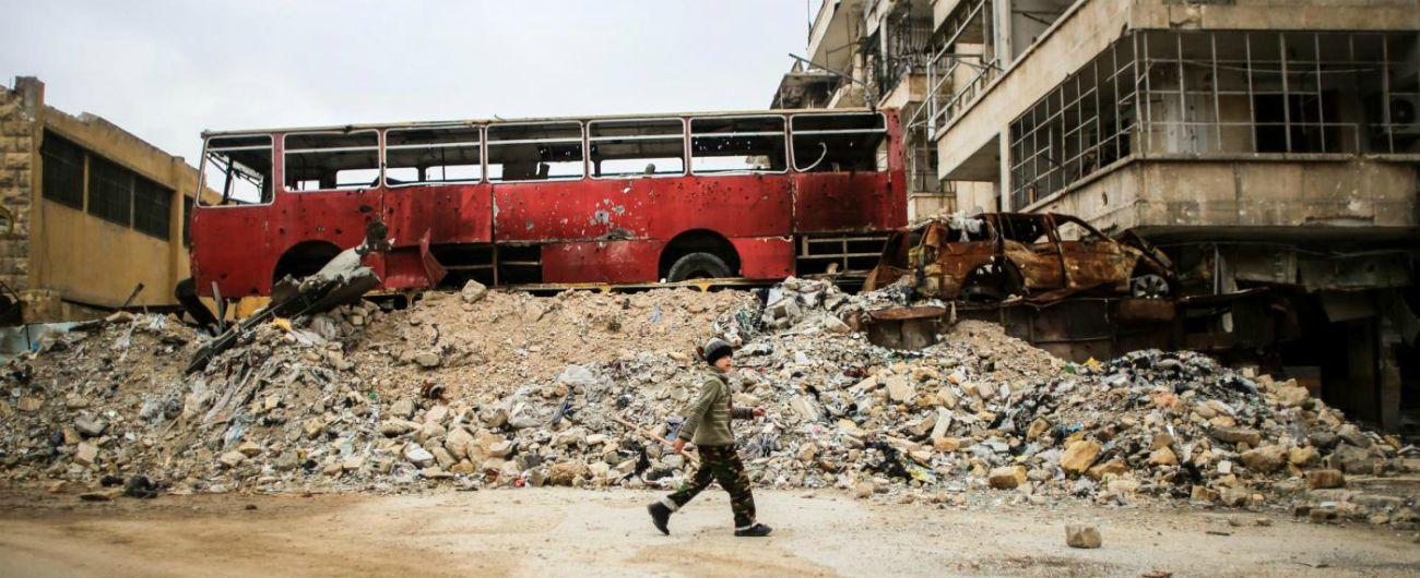 """""""Un vulcano chiamato Siria"""", i testi e le storie raccolte dall'intellettuale in esilio che lotta contro il """"regno del silenzio"""""""