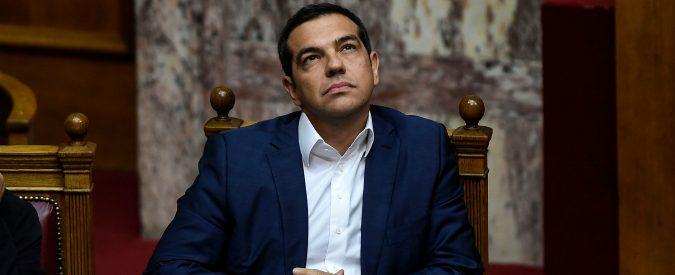 Grecia, altro che successo. Il Paese affonda e Tsipras distribuisce regali
