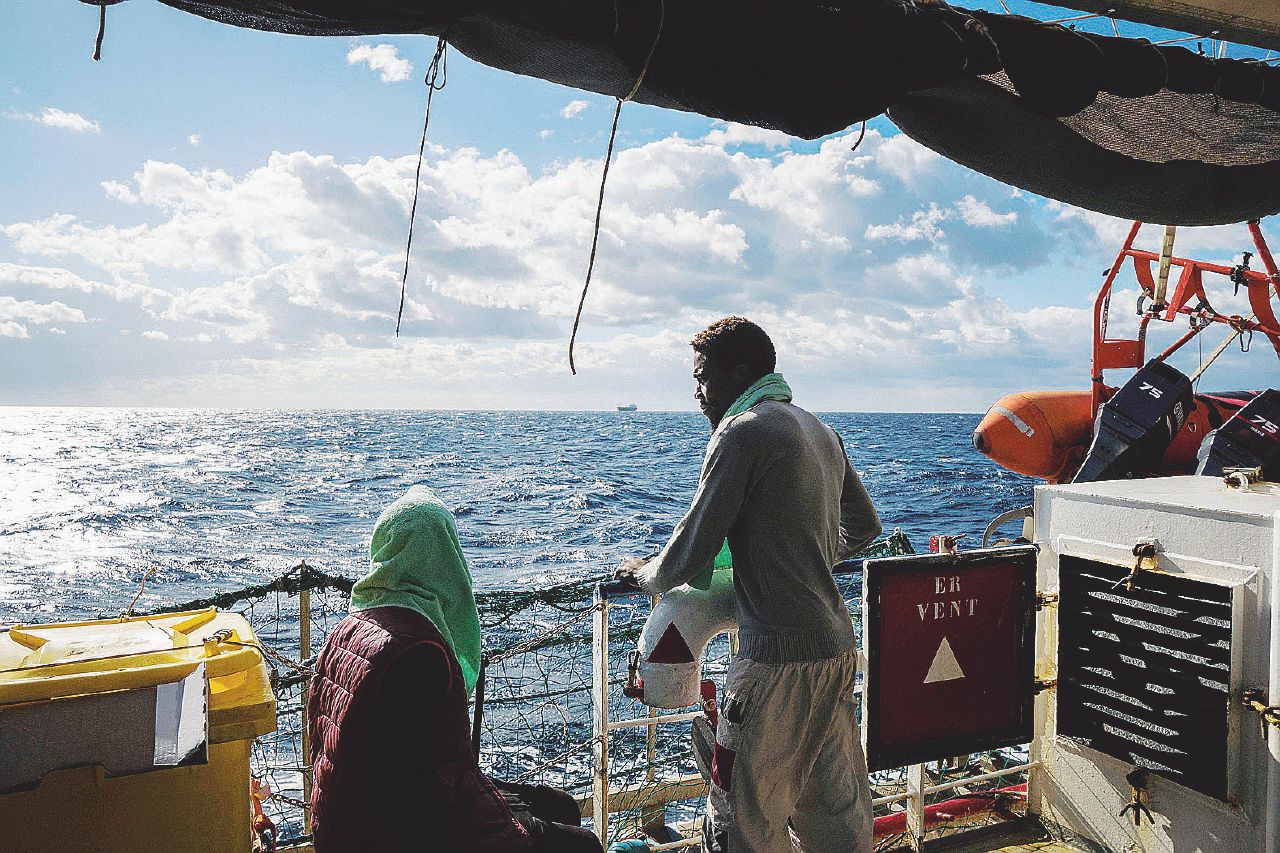 In Edicola sul Fatto Quotidiano del 7 gennaio: Non solo migranti – Il vicepremier contro tutti