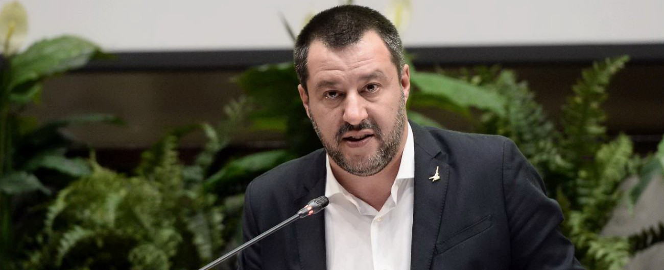 Salvini: 'Sradicheremo teppisti dagli stadi' Ma è contrario a chiusura degli impianti e allo stop delle partite per i cori razzisti