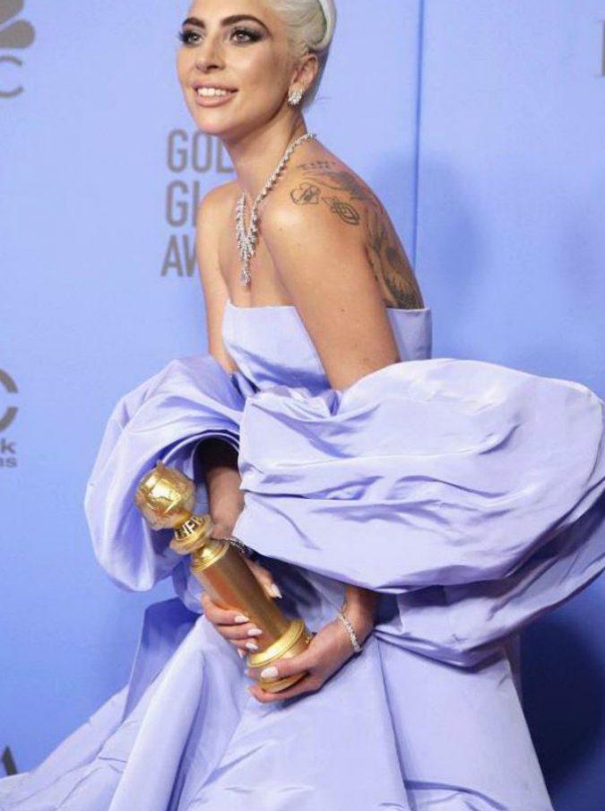 Golden Globes 2019, i vincitori. Trionfa a sorpresa Bohemian Rhapsody, Cuaron miglior regista, a Lady Gaga il premio per la miglior canzone