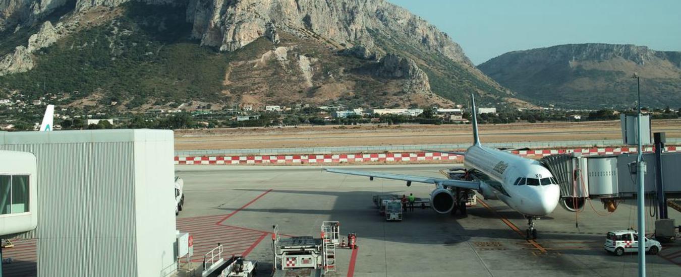 Sicilia, i voli per tornare costano troppo. Così le famiglie pagano il 'pizzo' sul rientro