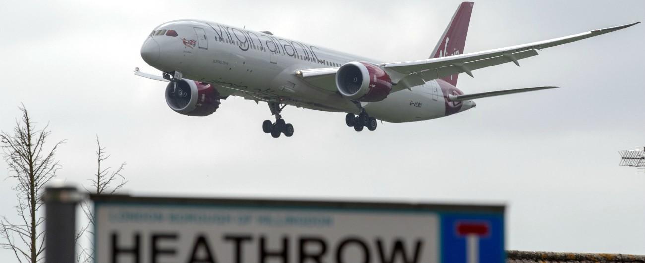 """Londra, sospese per un'ora partenze da Heathrow: """"Drone nello spazio aereo"""""""