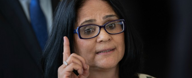 """Brasile, dalla guerra al gender al divieto di abortire """"anche se vittime di violenze"""": la crociata della ministra di Bolsonaro"""