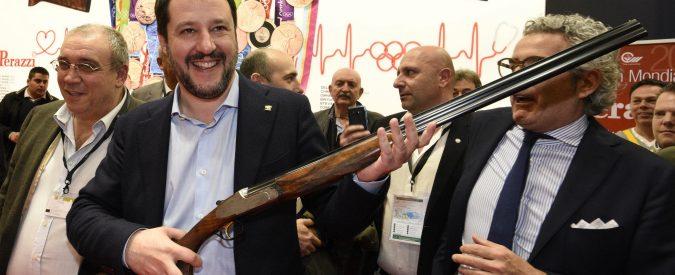 Legittima difesa: 'Disarmare delinquenti e proteggere italiani per bene'. Così Salvini sbaglia due volte