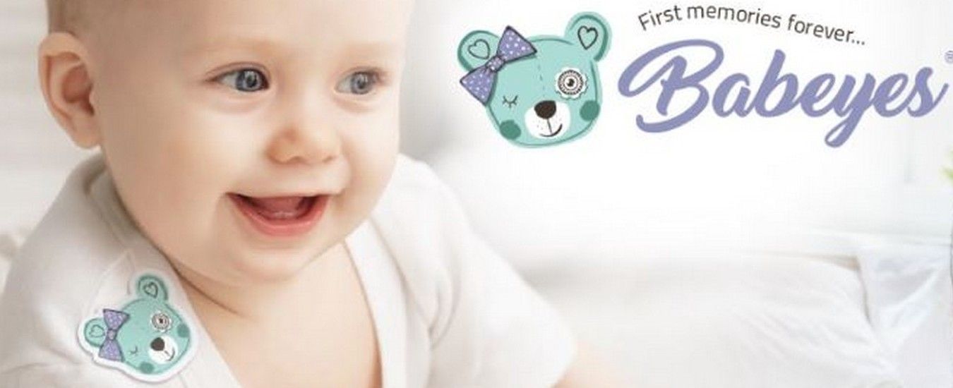 Babeyes, la fotocamera adesiva che registra ciò che vedono i bebè