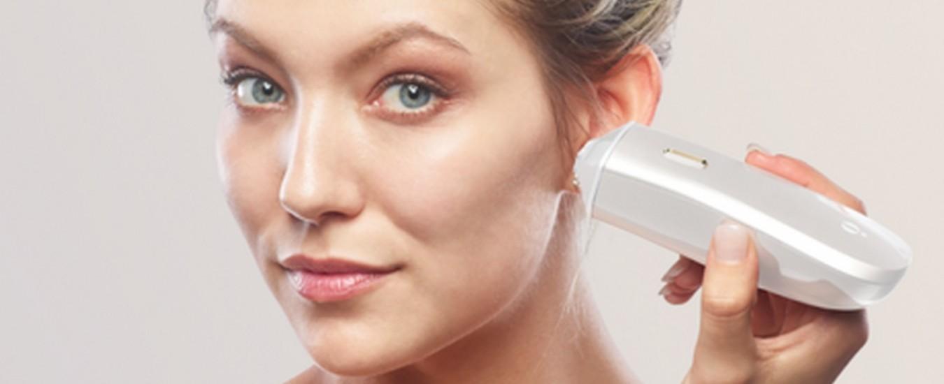 """Macchie sulla pelle? La """"penna"""" tecnologica Opté Precision Skincare promette di scovarle e cancellarle"""