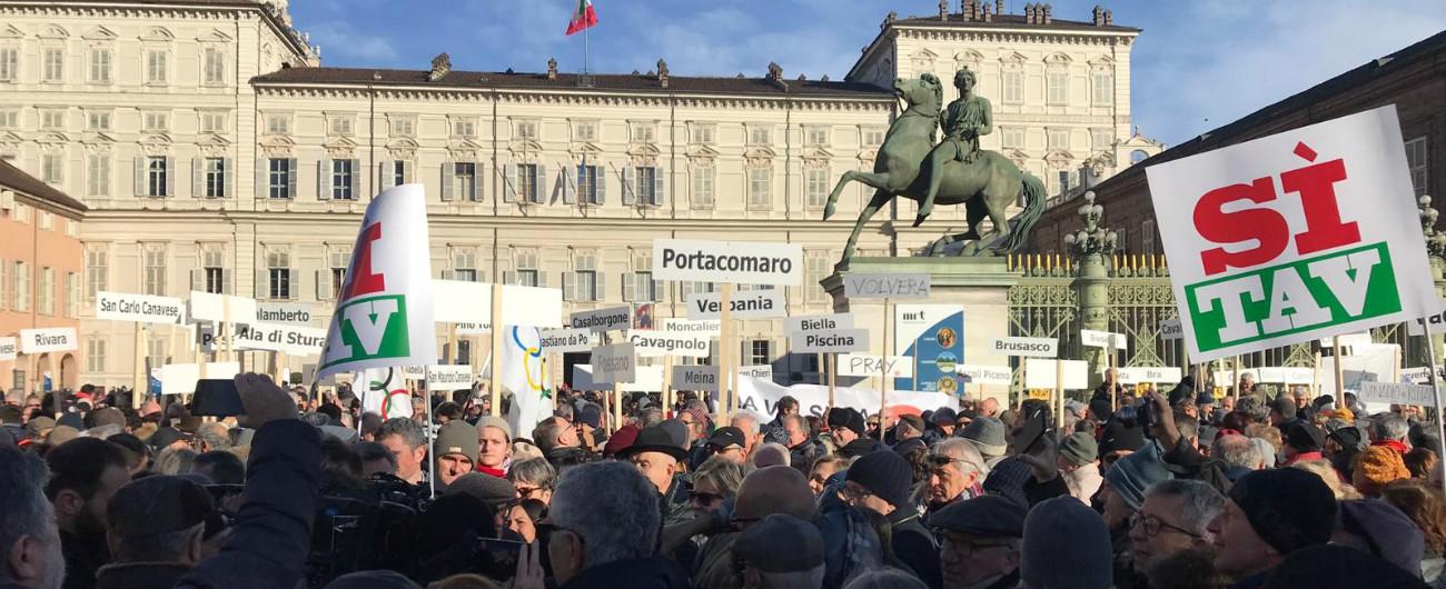 """Tav, Lega in piazza con favorevoli a opera. Da Chiamparino e Toti ai sindaci Pd e Fi. Di Maio: """"Hanno il diritto a manifestare"""""""