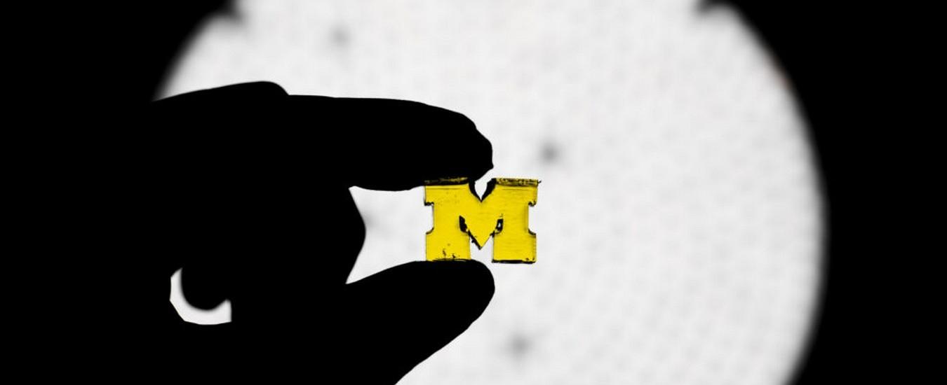 Stampa 3D più resistente e 100 volte più veloce grazie alla luce e ad una resina speciale