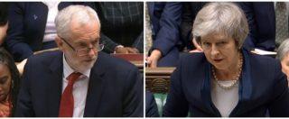 """Brexit, il Parlamento inglese boccia l'accordo con l'Ue. Scontro tra Theresa May e Jeremy Corbyn: """"Sconfitta devastante"""""""