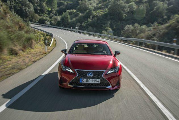 Lexus ES 300h |  la prova de Il Fatto it – Il lusso del silenzio – FOTO