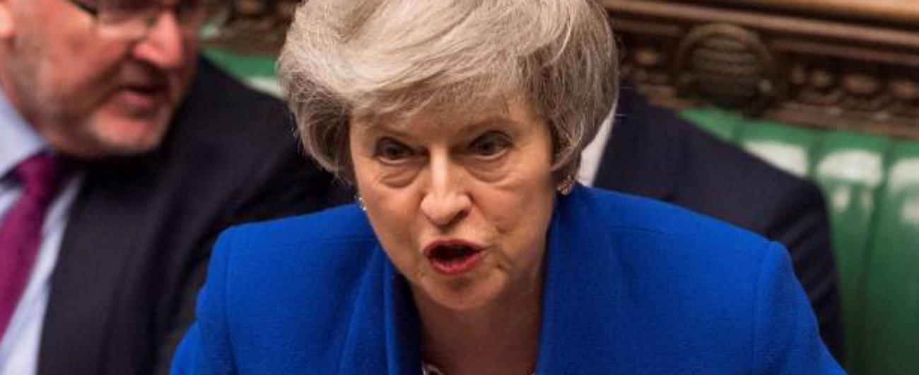 """Brexit, May ottiene fiducia in Parlamento: """"Ora nuovo piano per uscita dall'Ue"""""""