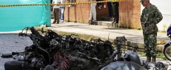 Colombia, autobomba all'Accademia di polizia di Bogotà: 21 morti, 68 feriti
