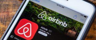 """Tassa di soggiorno, scontro Federalberghi-Airbnb: """"Riscuote solo in 18 Comuni"""". """"Difende associati accusati di peculato"""""""
