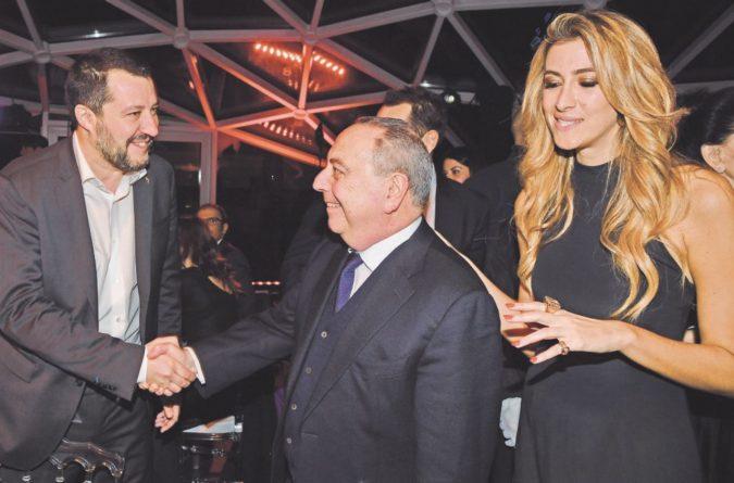 Salvini saluta Lo Voi, il procuratore che gli mandò l'avviso di garanzia. E che è il candidato più forte per il dopo-Pignatone