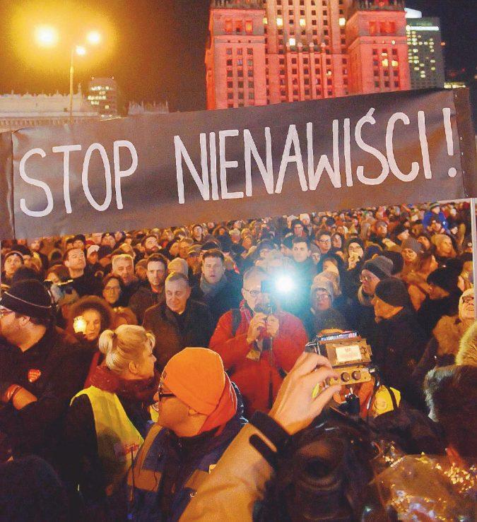 """""""Odio e razzismo, la Polonia come un romanzo di Orwell"""""""
