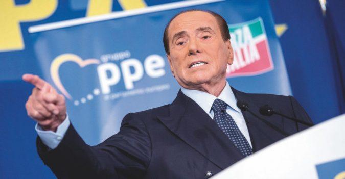Silvio si cancella: ora sembra Fini