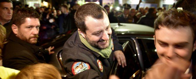 È un popolo 'povero e ignorante' quello che fa il baciamano a Salvini