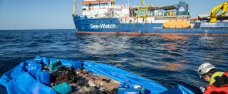 "Migranti, Sea Watch con 47 naufraghi a bordo: ""Nessuno ci dice dove andare"""