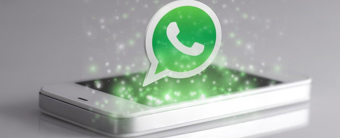 I messaggi WhatsApp si possono inoltrare solo a cinque destinatari, provvedimento contro le fake news