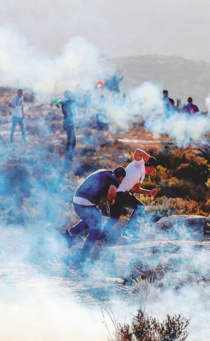 Bibi Netanyahu e l'oscura battaglia giocata con i social