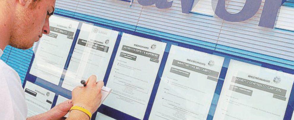 Il leader M5S sui tutor:  ne assumeremo 10 mila