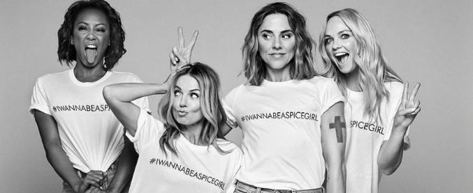 """Spice Girls, inchiesta del Guardian: """"La maglietta per la parità di genere cucita da operaie per 40 centesimi l'ora"""""""