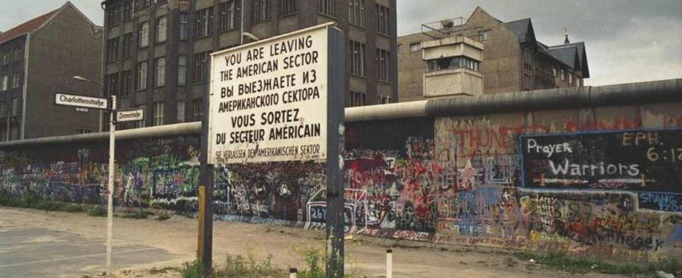 Muro di Berlino, chi l'ha costruito? A 30 anni dalla caduta è ancora un problema